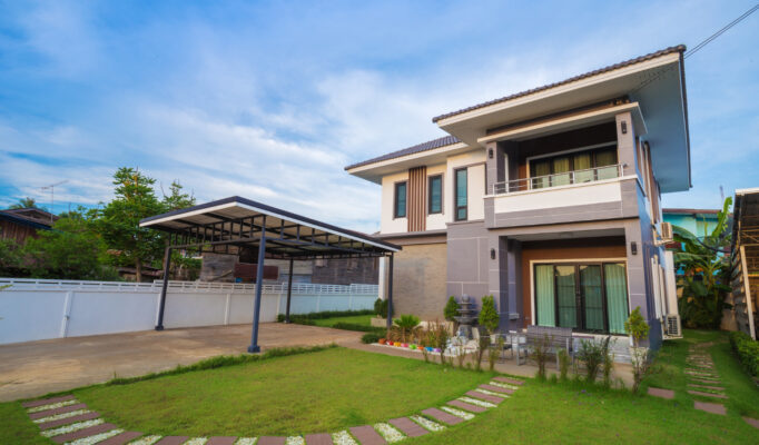 modern-house-with-sky